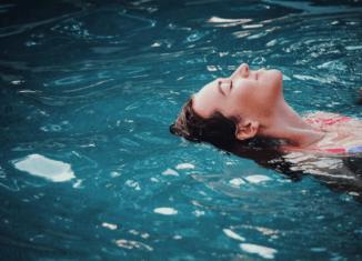 Zwemmer rugslag